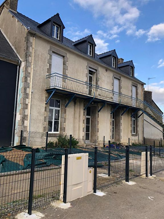 LOCMINÉ 56 :  APPARTEMENT T3 de 64,90 m2  avec jardin, 1 local, 2 places de parking