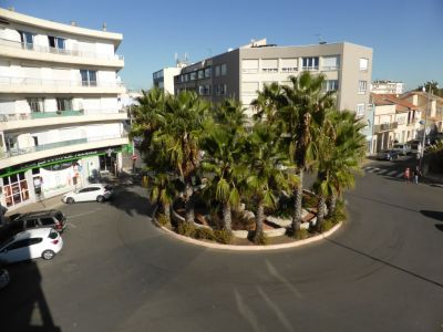 AGREABLE - A 150 M DE LA PLAGE