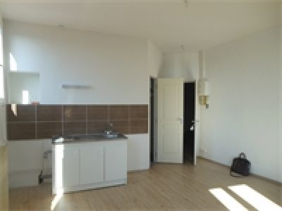APPARTEMENT F2 CENTRE DE THIERS